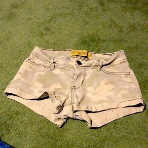 Hollister Camo Shorts. Sz. 00/W23